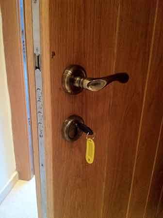 טכנאי דלתות מוסמך