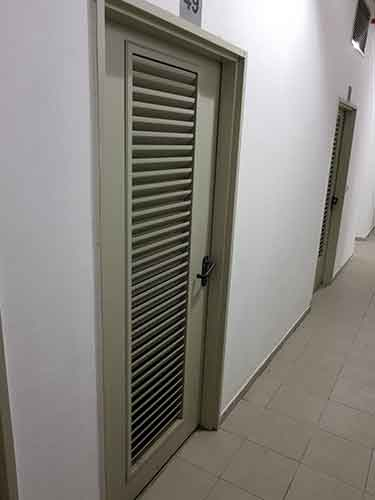 מתקן מנעול דלת