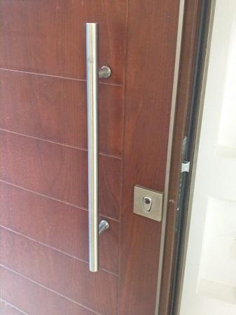 תמונה של דלת לאחר תיקון